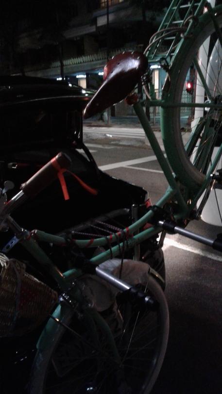 A revolução do Uber tbem transportando bicis